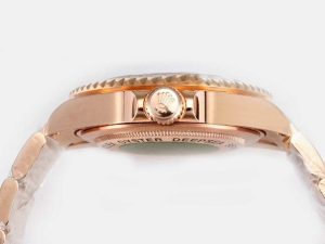 Rolex-Sea-Dweller-Full-Rose-Gold-With-Black-Dial-New-Version-Wat-42_3